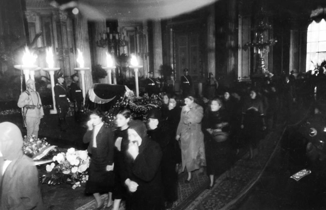 Atatürk'ün cenaze fotoğrafları gün yüzüne çıktı, bazıları ilk kez arşivden çıkartıldı 3