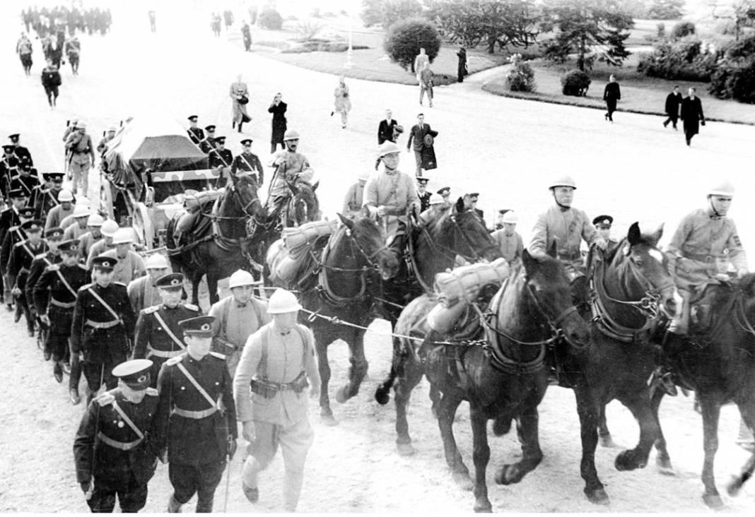Atatürk'ün cenaze fotoğrafları gün yüzüne çıktı, bazıları ilk kez arşivden çıkartıldı 5