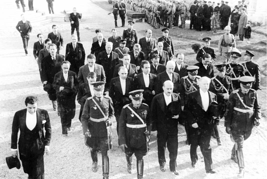 Atatürk'ün cenaze fotoğrafları gün yüzüne çıktı, bazıları ilk kez arşivden çıkartıldı 6