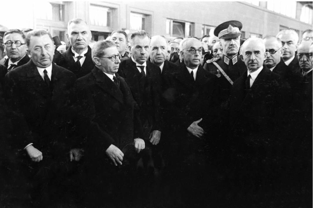 Atatürk'ün cenaze fotoğrafları gün yüzüne çıktı, bazıları ilk kez arşivden çıkartıldı 12