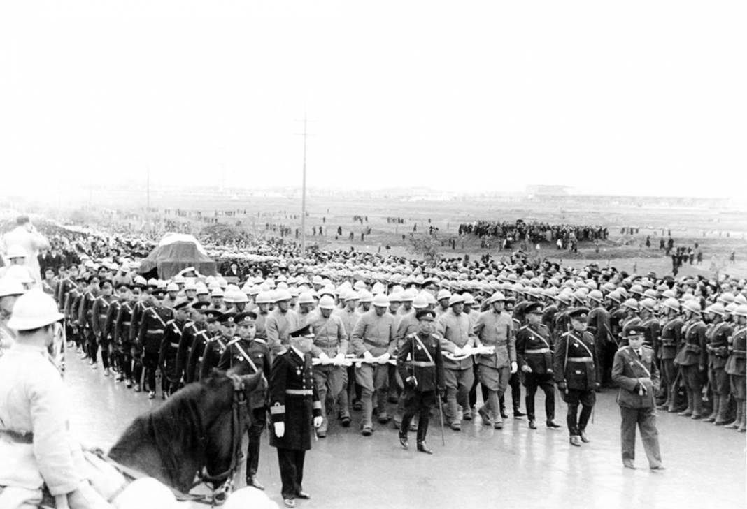 Atatürk'ün cenaze fotoğrafları gün yüzüne çıktı, bazıları ilk kez arşivden çıkartıldı 19