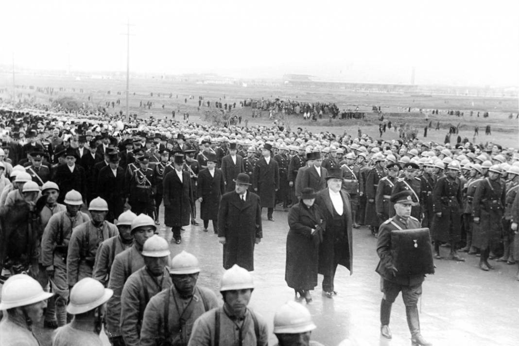 Atatürk'ün cenaze fotoğrafları gün yüzüne çıktı, bazıları ilk kez arşivden çıkartıldı 20
