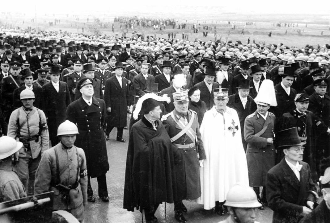 Atatürk'ün cenaze fotoğrafları gün yüzüne çıktı, bazıları ilk kez arşivden çıkartıldı 21