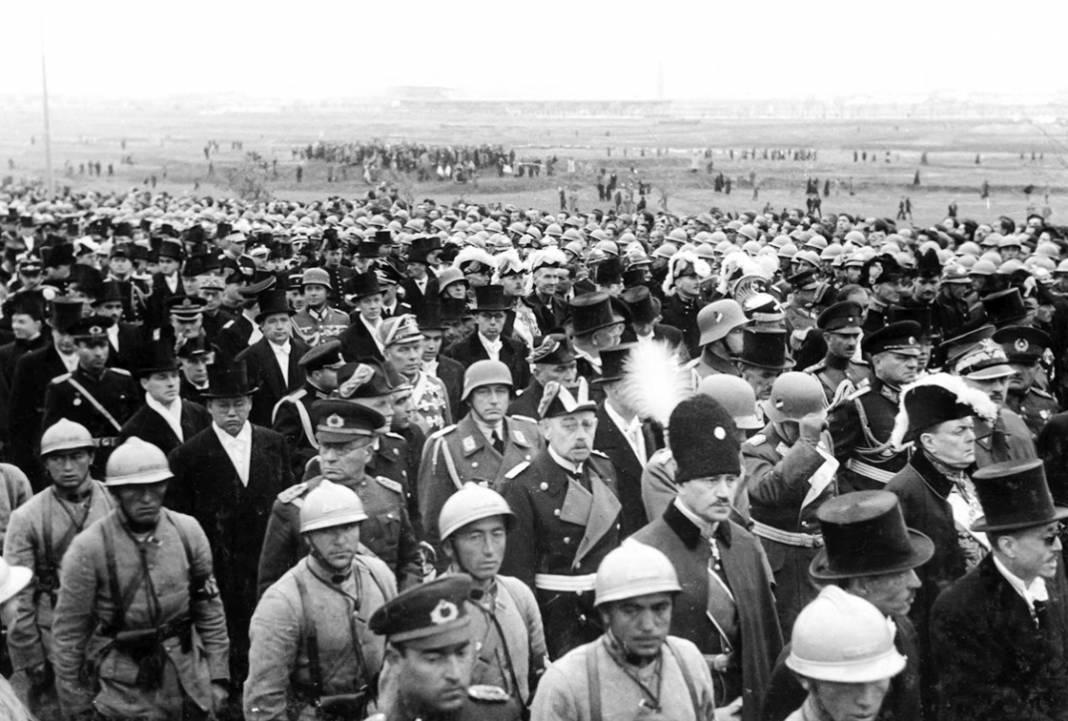 Atatürk'ün cenaze fotoğrafları gün yüzüne çıktı, bazıları ilk kez arşivden çıkartıldı 22