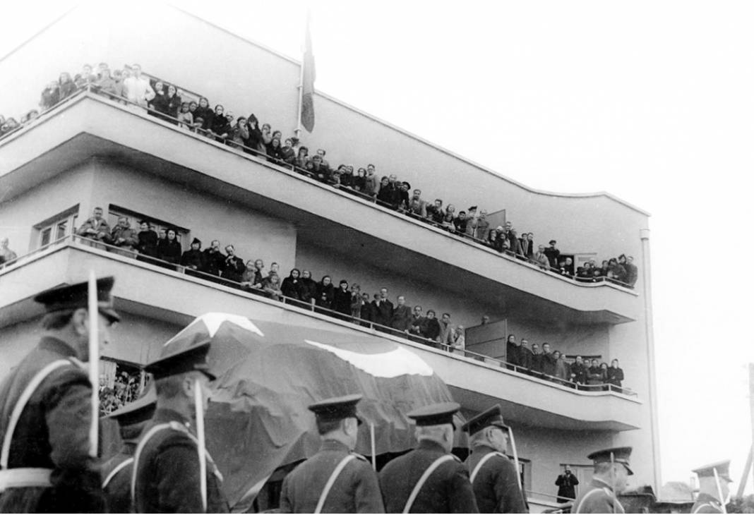 Atatürk'ün cenaze fotoğrafları gün yüzüne çıktı, bazıları ilk kez arşivden çıkartıldı 23