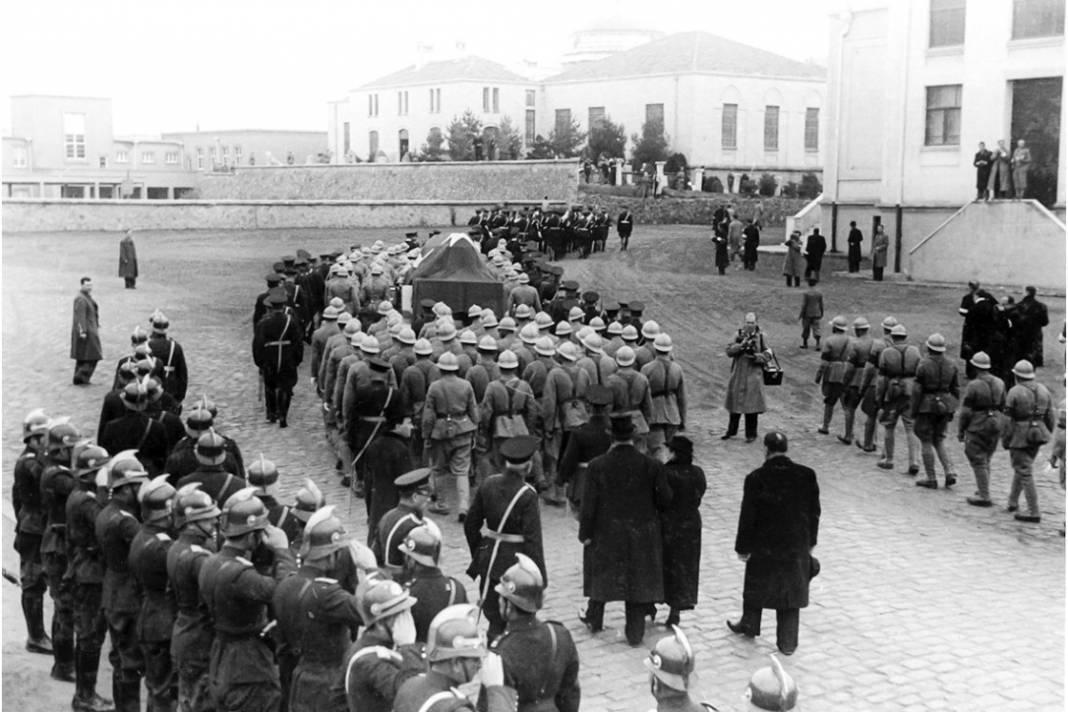 Atatürk'ün cenaze fotoğrafları gün yüzüne çıktı, bazıları ilk kez arşivden çıkartıldı 25