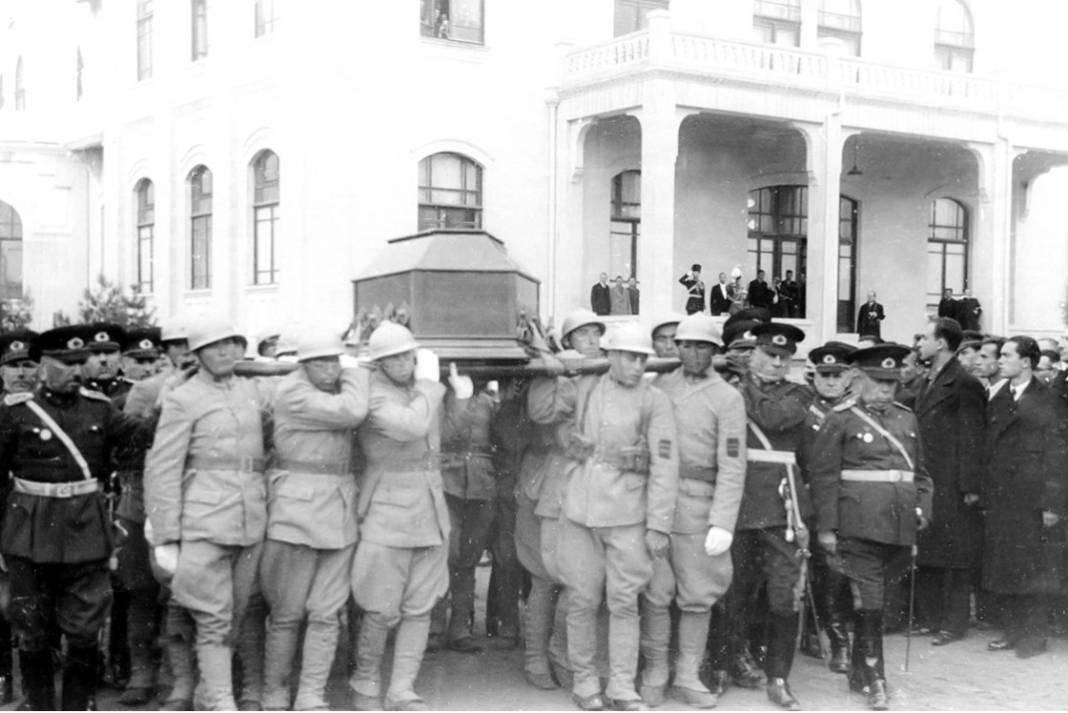 Atatürk'ün cenaze fotoğrafları gün yüzüne çıktı, bazıları ilk kez arşivden çıkartıldı 26