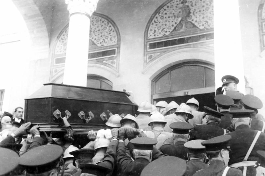 Atatürk'ün cenaze fotoğrafları gün yüzüne çıktı, bazıları ilk kez arşivden çıkartıldı 27