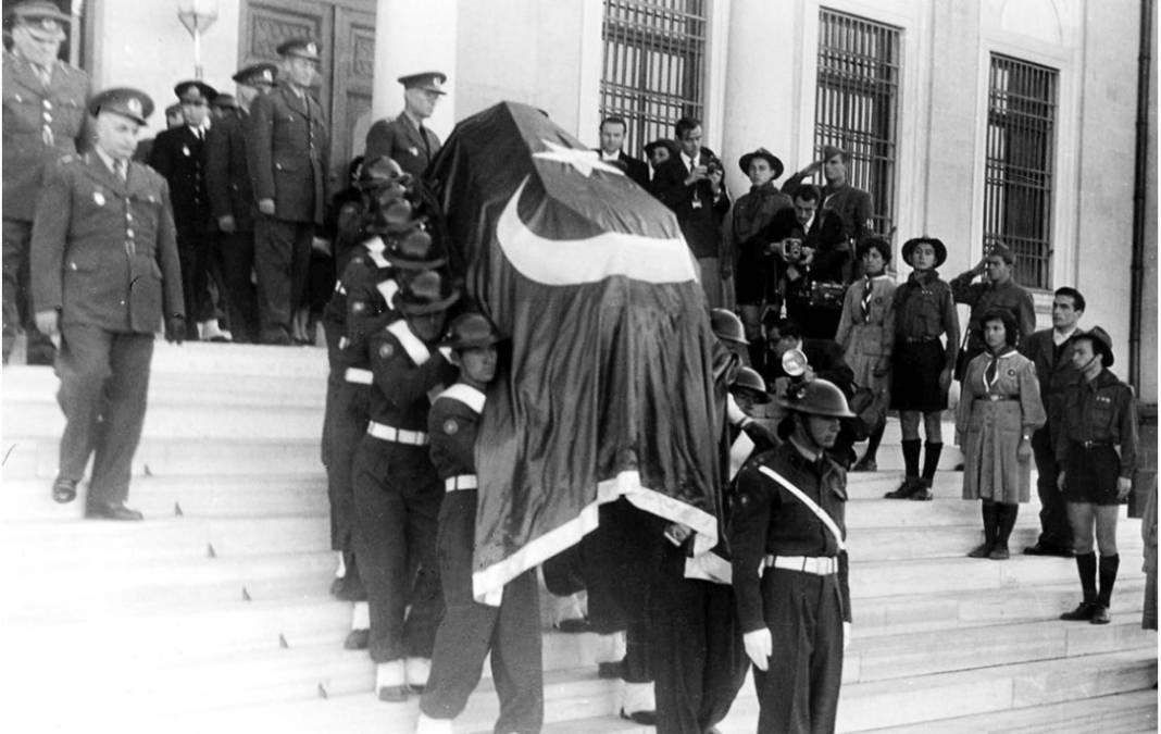 Atatürk'ün cenaze fotoğrafları gün yüzüne çıktı, bazıları ilk kez arşivden çıkartıldı 29