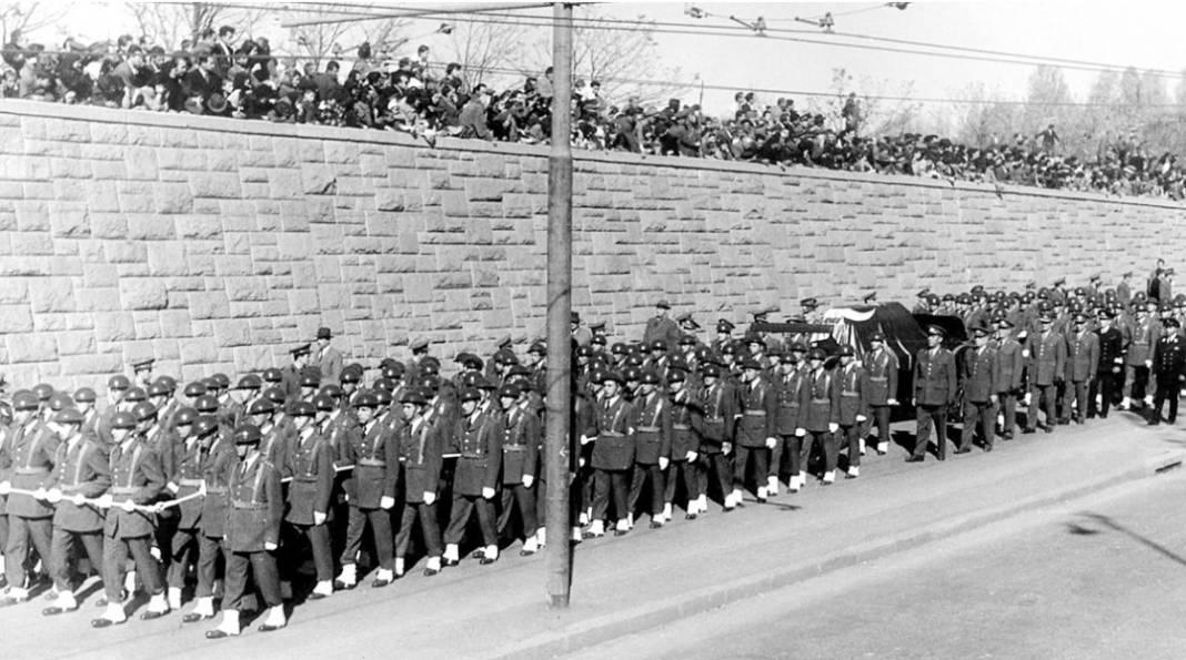 Atatürk'ün cenaze fotoğrafları gün yüzüne çıktı, bazıları ilk kez arşivden çıkartıldı 30