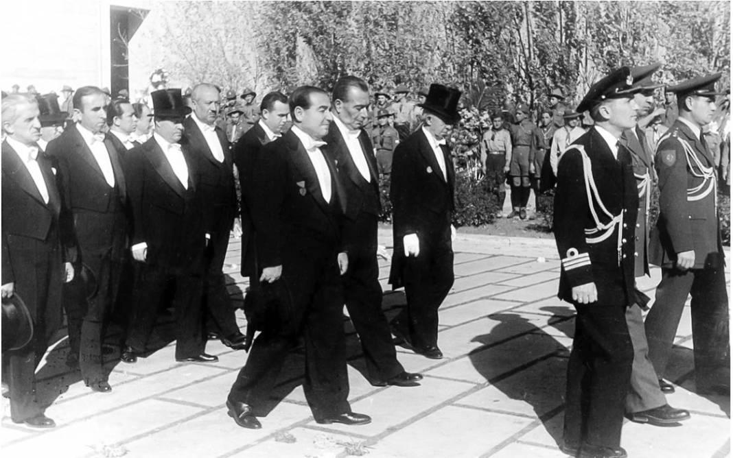 Atatürk'ün cenaze fotoğrafları gün yüzüne çıktı, bazıları ilk kez arşivden çıkartıldı 31