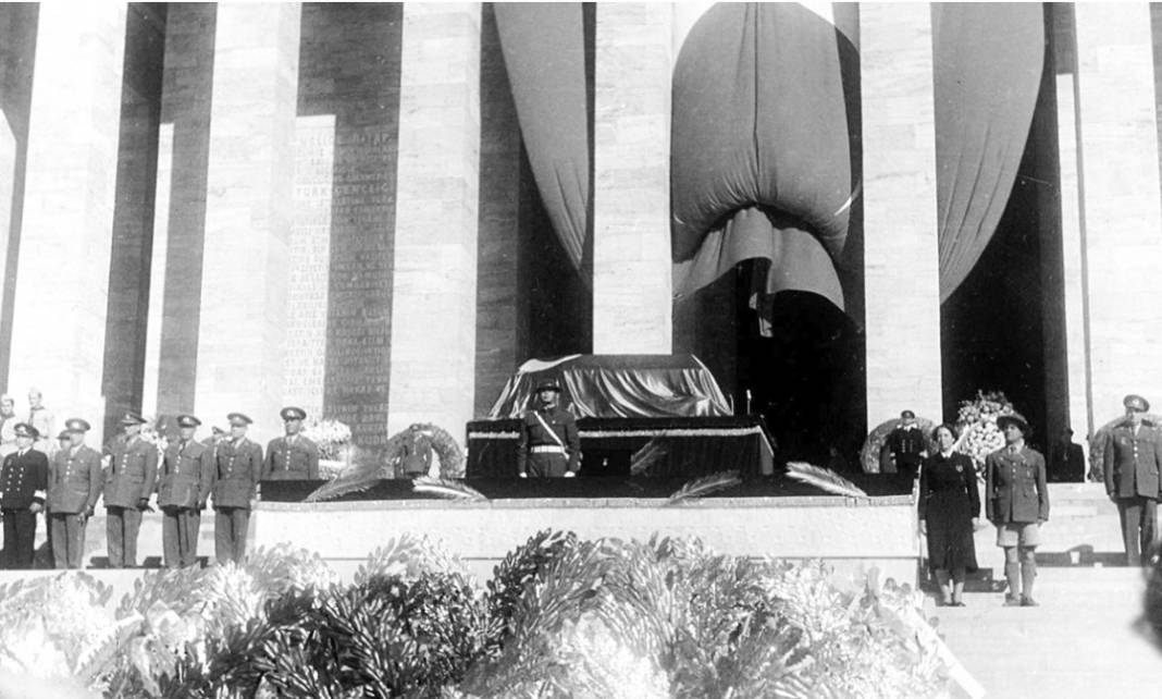 Atatürk'ün cenaze fotoğrafları gün yüzüne çıktı, bazıları ilk kez arşivden çıkartıldı 32
