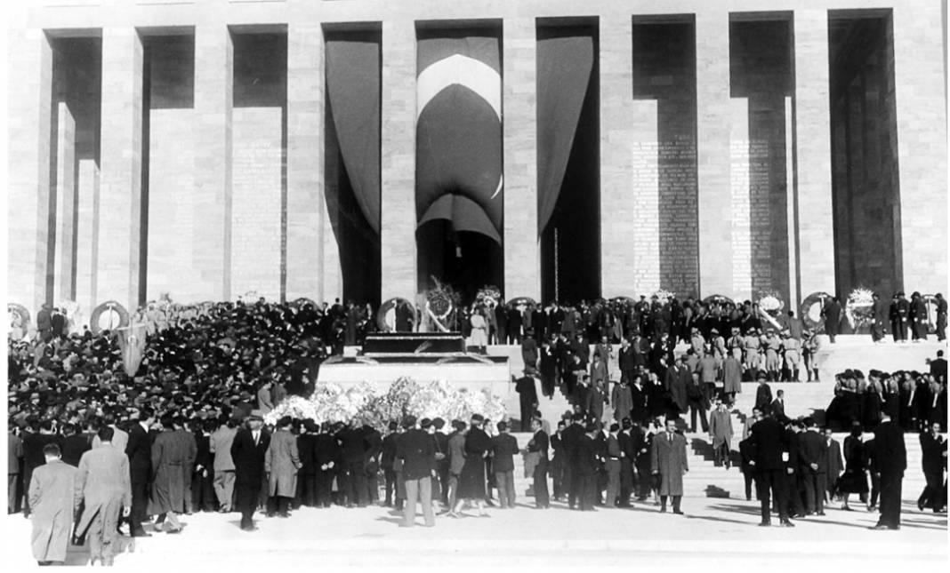 Atatürk'ün cenaze fotoğrafları gün yüzüne çıktı, bazıları ilk kez arşivden çıkartıldı 33