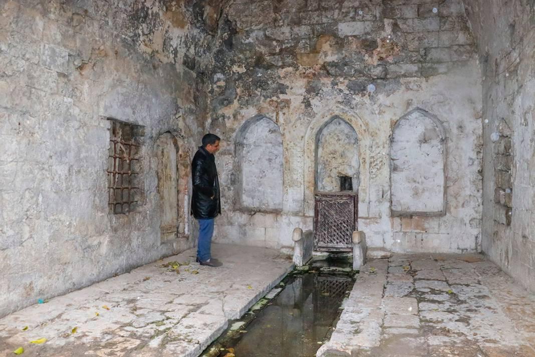 Bin yıllık eser can çekişiyor! Yağmur sonrası çöktü 12
