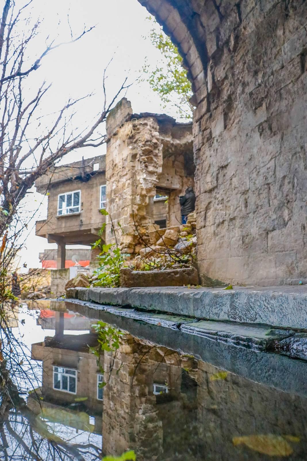 Bin yıllık eser can çekişiyor! Yağmur sonrası çöktü 16