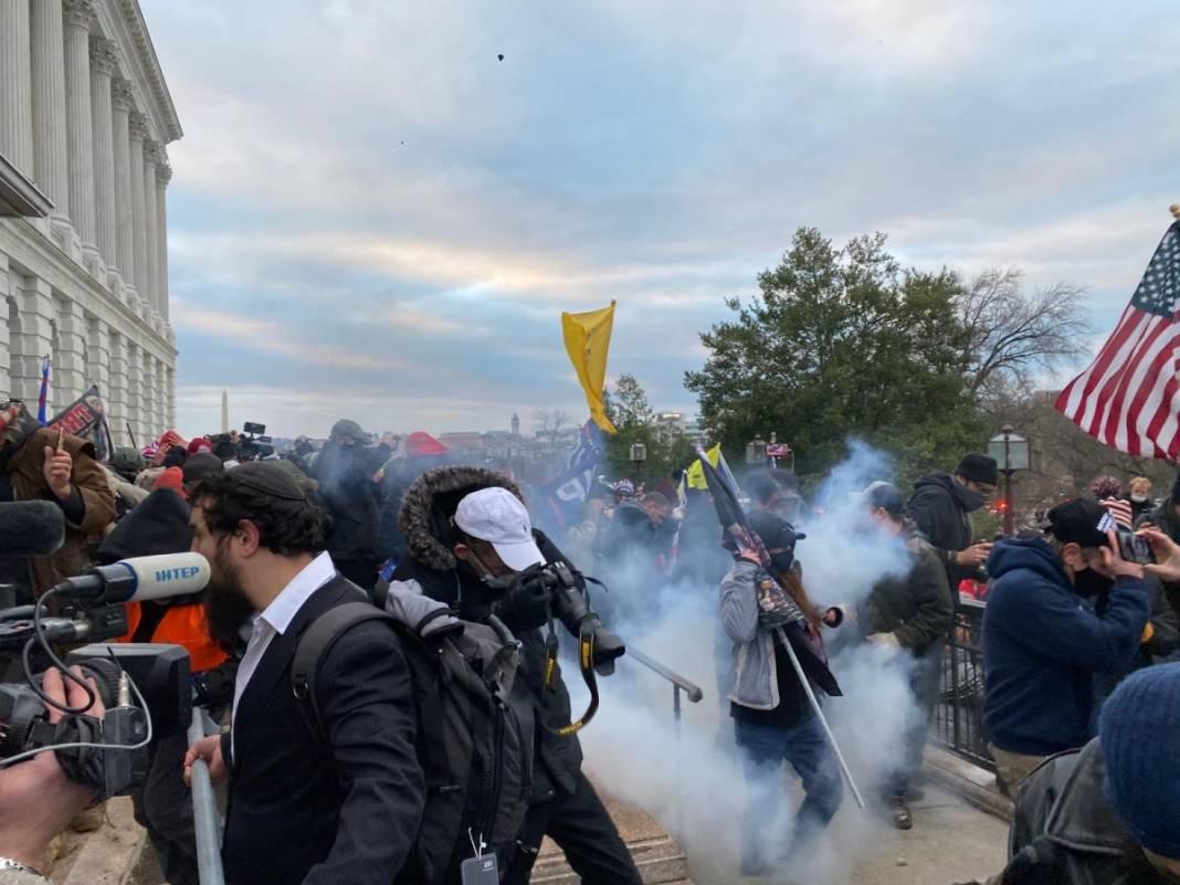 Trump ateşi! Kongre'yi bastılar, polisle çatıştılar 36
