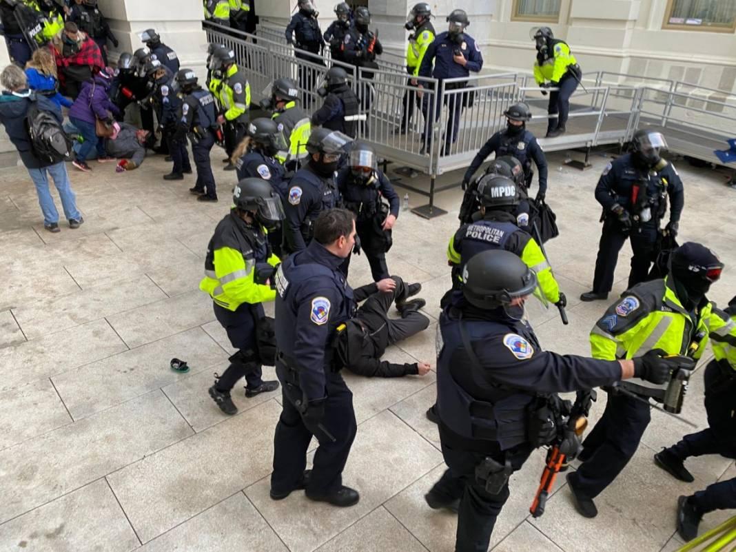 Trump ateşi! Kongre'yi bastılar, polisle çatıştılar 42