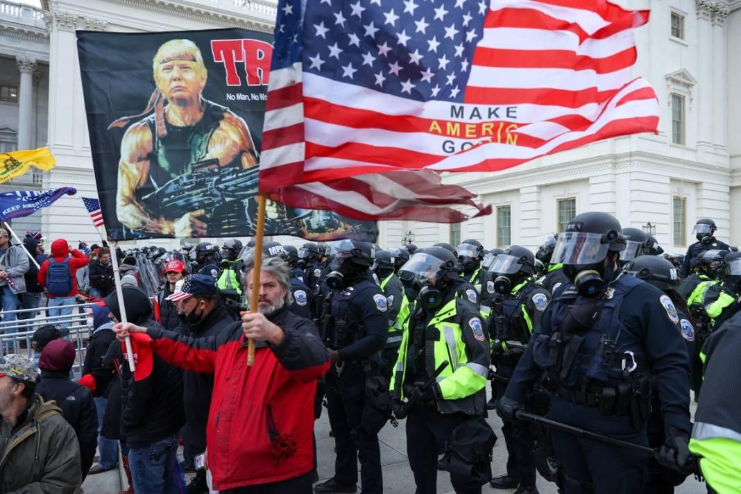 Trump ateşi! Kongre'yi bastılar, polisle çatıştılar 53