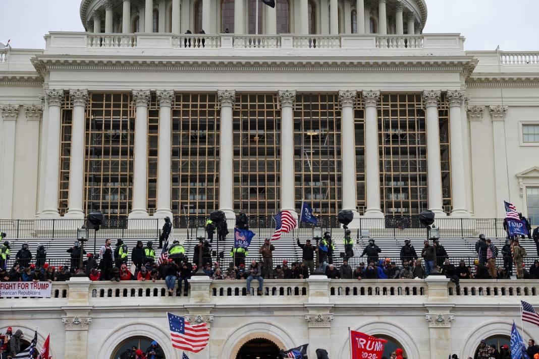 Trump ateşi! Kongre'yi bastılar, polisle çatıştılar 63