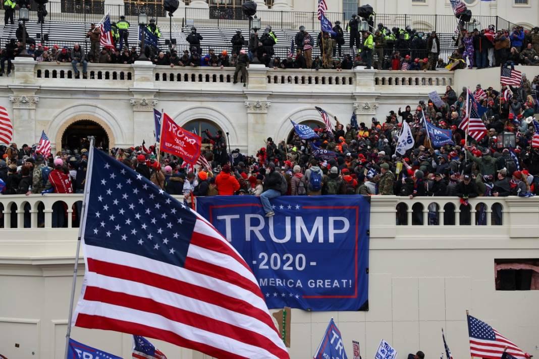 Trump ateşi! Kongre'yi bastılar, polisle çatıştılar 67