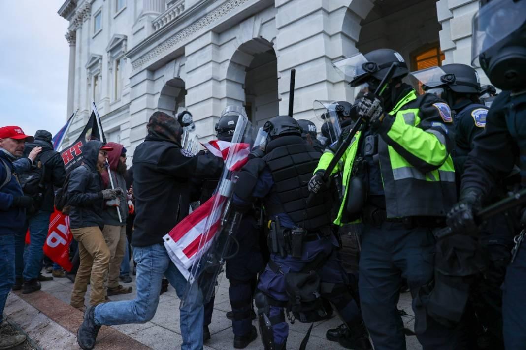 Trump ateşi! Kongre'yi bastılar, polisle çatıştılar 89