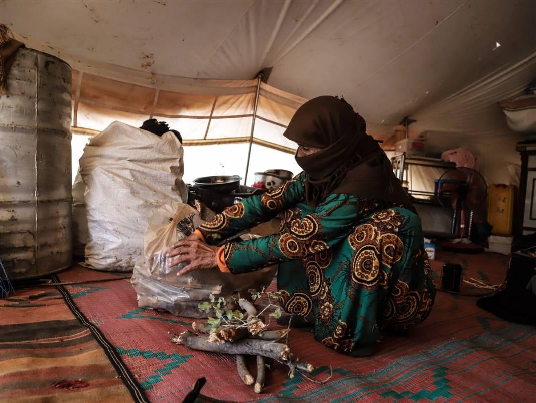 İdlib'de yüz binlerce sivil ısınmak isterken sağlığından oluyor 15