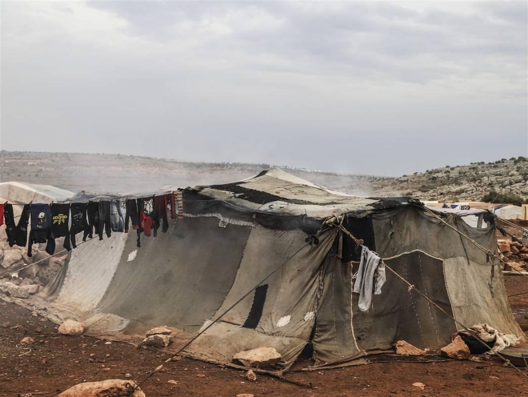 İdlib'de yüz binlerce sivil ısınmak isterken sağlığından oluyor 18