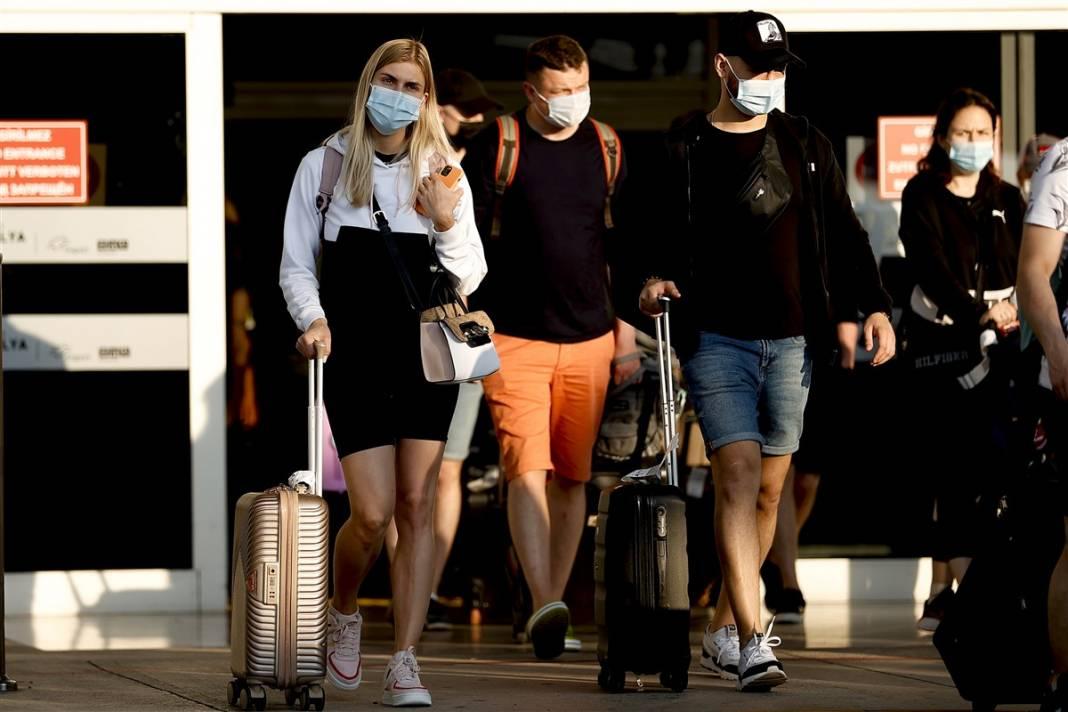 Rus turistler Antalya'da! Bugün 44 uçakla 12 bin kişi gelecek 20