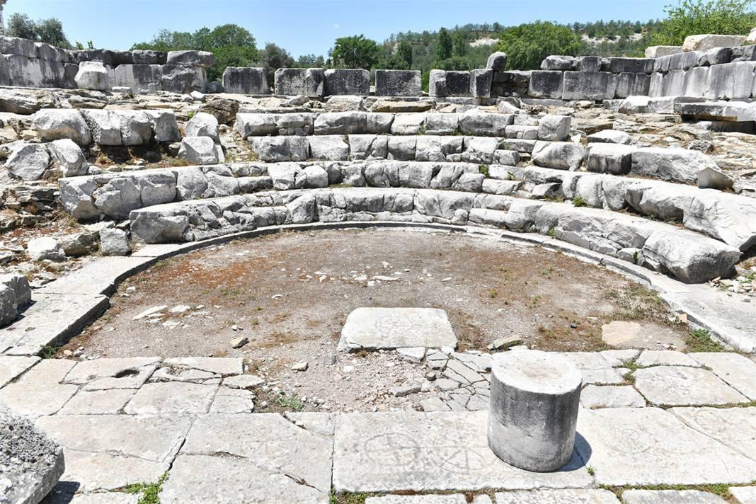 'Gladyatörler Şehri' Stratonikeia'da 'Tapınak' kazıları başladı 5