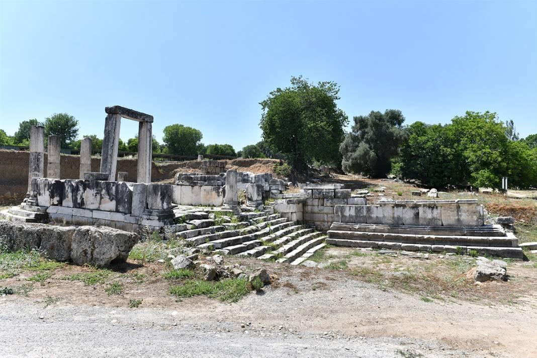 'Gladyatörler Şehri' Stratonikeia'da 'Tapınak' kazıları başladı 7