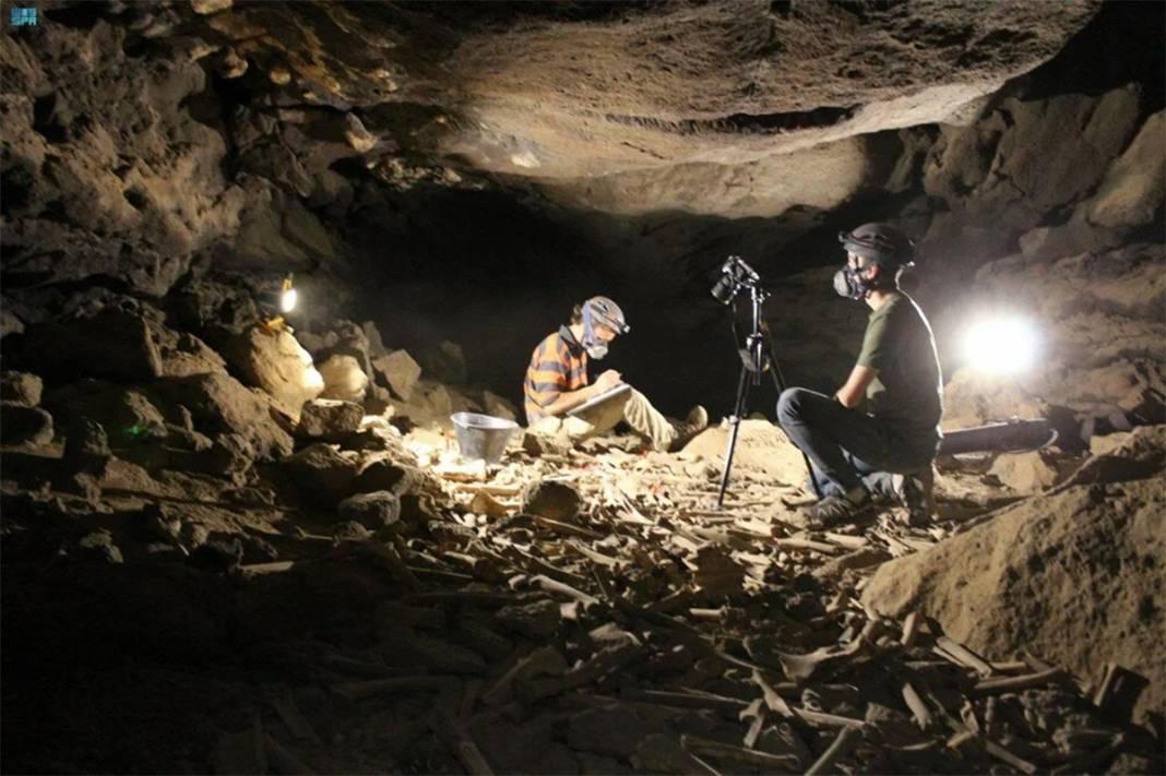 Araştırmacılar yıllarca korkudan giremedi: Mağaradaki on binlerce kemiğin gizemi çözüldü 3