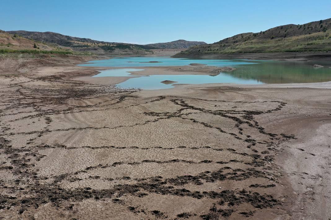 Uzmanlardan kuraklık uyarısı: Türkiye'nin en uzun nehri kurudu 8