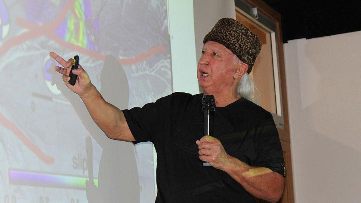 Prof. Şener Üşümezsoy harita üzerinde gösterdi: Okyanusal deprem olacak tek yer burası