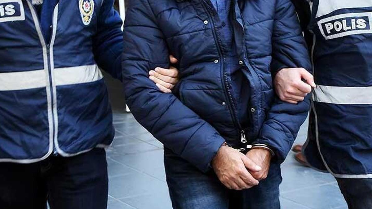 Rus gazeteciler Türkiye'de gözaltına alındı