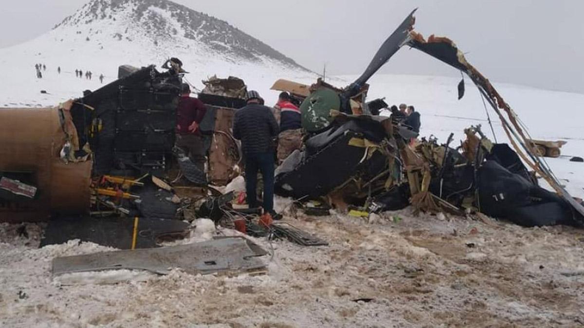 Bitlis'ten kahreden haber! Helikopter kazasında çok sayıda asker şehit oldu
