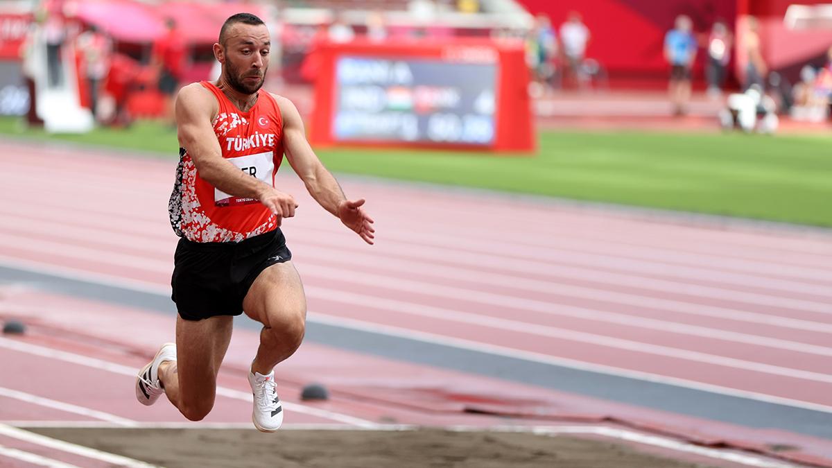 Milli atlet Necati Er, üç adım atlamada finale yükseldi