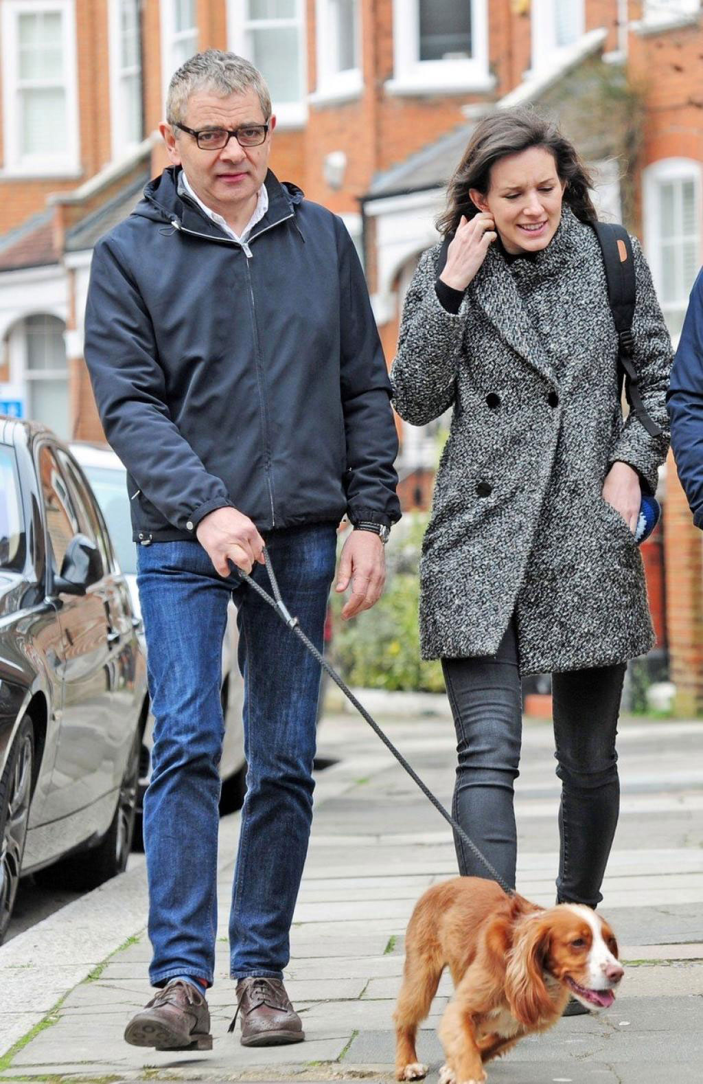 41c79359-1b68-471b-89c2-8e6282f1df2b-exc-rowan-atkinson-out-and-alive-with-his-girlfriend-louise-ford.jpg