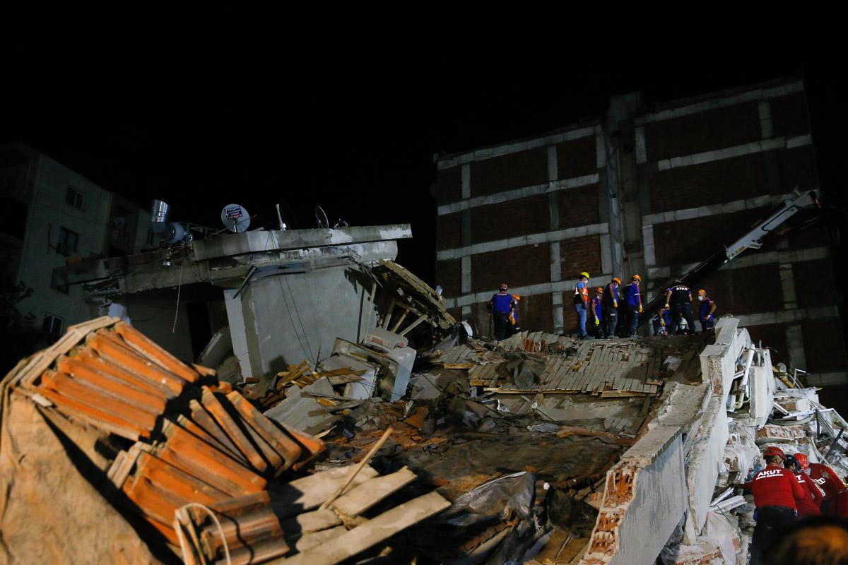 izmir-deprem1.jpg